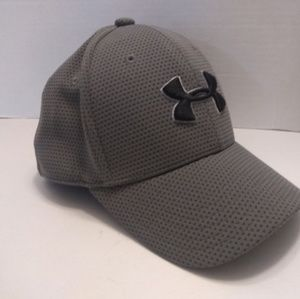 Kids Youth Under Armour Fitted Mesh Grey Hat S/M